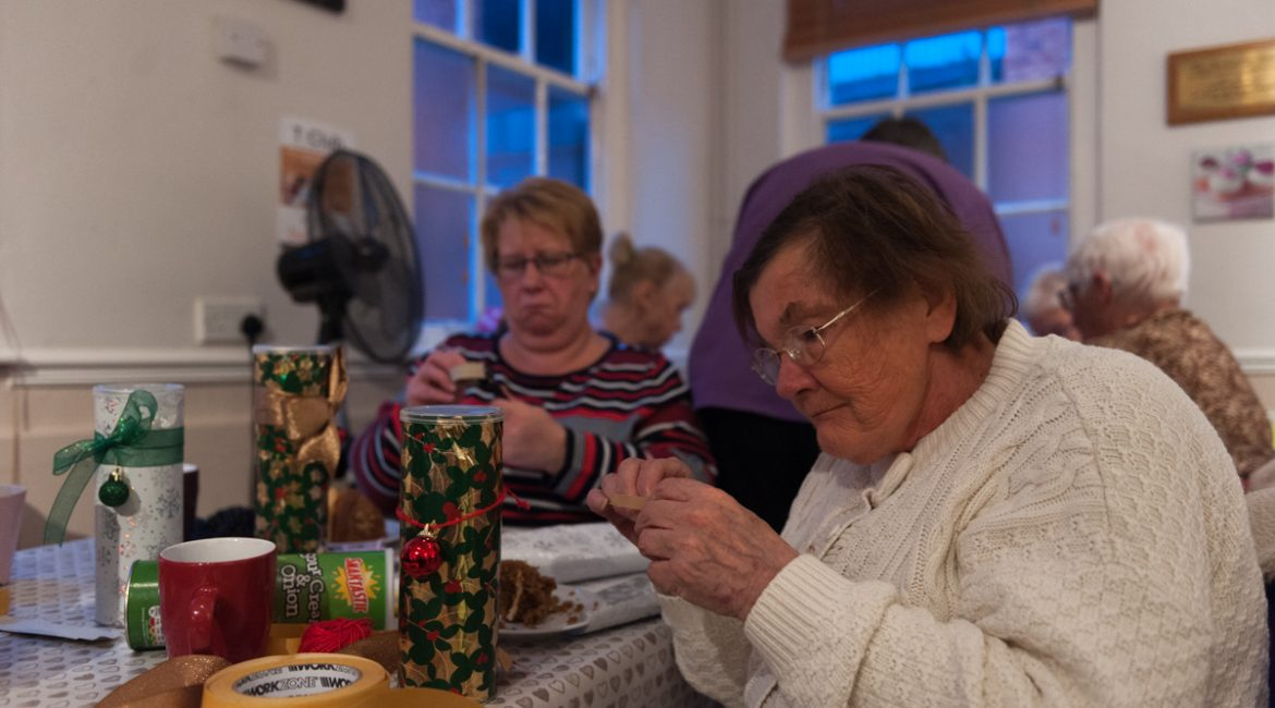 T-Club get in the Christmas spirit with an afternoon of crafting